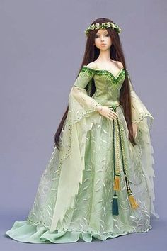 Guinevere ~ by Martha Boers [1st of three pins]
