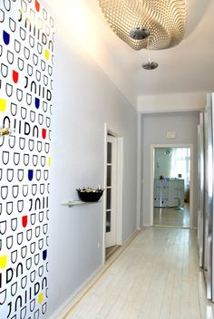 RAUMOPTIMIERUNG von nook interiors: Vorraum zu Farbenwelt in Wien Nook, Interior Design, Interiors, Live, Home Decor, Colors, Homes, Design Interiors, Homemade Home Decor