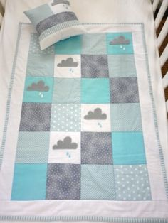 Little Rain Cloud Quilt by Nicole of Alphabet Monkey.