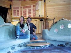 Funky cob house is first to meet extreme-green standard