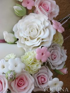wow. Now those are some cake flowers