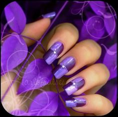 We're loving these nails! Did you know Hair Trends does #NailArt?  #HairTrends