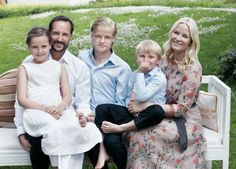 MYROYALS  FASHİON: New Photos of Crown Prince Haakon and his family for Haakon's 40th birthday (b. July 20, 1973):  Princess Ingrid-Alexandra, Crown Prince Haakon, Marius Høiby, Prince Sverre Magnus, Crown Princess Mette-Marit