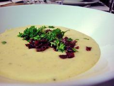 Creamy artichoke soup with reindeer Artichoke Soup, Work Meals, Reindeer, Cantaloupe, Pudding, Favorite Recipes, Fruit, Desserts, Food