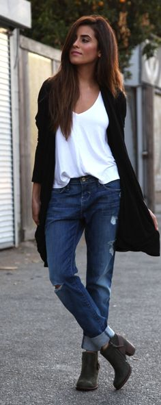 Blue Distressed Roll-up Boyfriend Jeans.  This is probably my favorite look because it screams cool, chic, and fashionable yet is extremely comfortable!