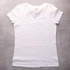Fête Tie Dye, Tie Dye Party, Bleach Tie Dye, How To Tie Dye, Bleach Dye Shirts, Tie Dye Tips, Bleach Clothes, How To Dye Fabric, Bleach Pen
