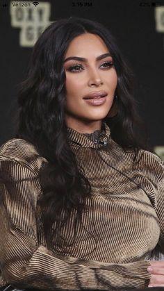 Kris Jenner, Kim Kardashian Kylie Jenner, Estilo Kardashian, Kardashian Style, Penelope Cruz, Kim Kardashian Makeup Looks, Everyday Eyeshadow, Everyday Makeup, Kim K Makeup