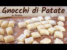 GNOCCHI DI PATATE FATTI IN CASA Ricetta Facile - In Diretta - YouTube Pizza Recipes, Potato Recipes, Ravioli, Pasta Casera, Confort Food, Cannelloni, Spatzle, Biscotti, Italian Recipes