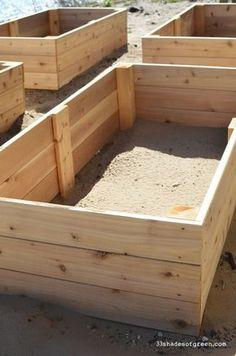 33 Shades of Green: Easy DIY Raised Garden Bed Tutorial