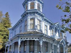 Look at this Italianate Victorian!