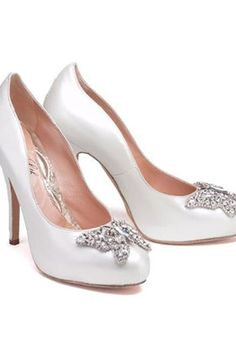 758d6844267 Aruna Seth Shoes Butterfly Shoes