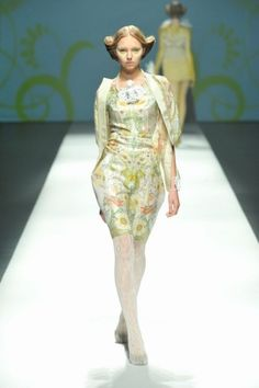 2013 S/S | SOMARTA | Mercedes-Benz Fashion Week TOKYO