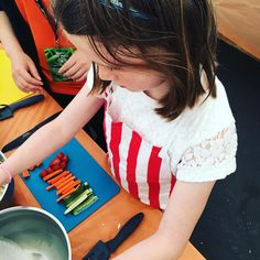 Chef in the making - check out her prep! Awesome effort 💚 loved these kids who created and ate it 😉 Healthy Meals For Kids, Healthy Recipes, Healthy Food, Weekday Meals, Budget Meals, Holiday Recipes, Effort, Prepping, Good Food