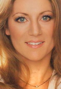 1980s Makeup, Makeup Ads, Annie Chancel, Envy, Women, Showgirls, Childhood Memories, Life, Female Singers