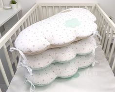 Mint and beige baby bumper Mint Nursery, Nursery Room, Beige, Bed Pillows, Pillow Cases, Sewing Projects, Crib Bumpers, Etsy, Bedding