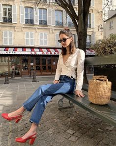 Basic Outfits, Jean Outfits, Casual Outfits, Cute Outfits, Paris Fashion, Girl Fashion, Fashion Outfits, Parisian Chic Style, Classy Style