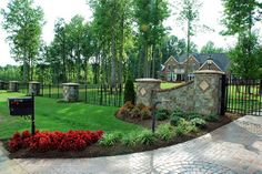Driveway entrances ideas entrance landscaping simple front yard with remodel country Driveway Entrance Landscaping, Mailbox Landscaping, Driveway Gate, Backyard Landscaping, Landscaping Ideas, Backyard Decks, Hydrangea Landscaping, Stone Driveway, Driveway Ideas
