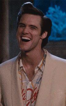 Quand vous avez réalisé qu'un-e de vos potes de soirée était là aussi, et que vous vous êtes dit que ça serait peut-être pas si mal. | 24 choses que seuls ceux qui ont passé leur JAPD comprendront Jim Carrey Funny, Funny Faces Images, Ace Ventura Pet Detective, Jim Carey, Gif Pictures, Cute Gif, Mood Pics, Funny People, Comedians