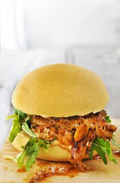 Vegan Pulled Pork Burger with Caramelized Onion