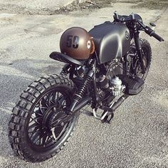 Relic Motorcycles: боббер BMW R100S Black Baron