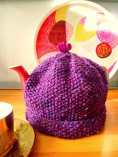 Handknitted Tea Cosy/Tea Cozy in Purple  Tea by wheretheresawool, €40.00