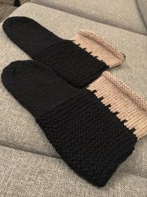 NOE Design: TOVA TØFLER ONE SIZE DAMER Bed Socks, Nifty, Fingerless Gloves, Arm Warmers, Knit Crochet, Diy And Crafts, Mittens, Knitting, How To Make