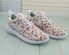 buy online 81db9 c722d Cuties Sneakers For Sale, Sneakers Nike, Nike Roshe Run, Cheap Nike, Nike
