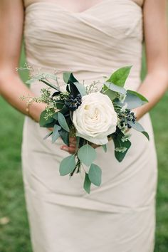 love this bouquet change the colour of the rose though  | Jessica and Marcins Morgan Acres DIY Wedding