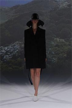Sfilata Chalayan Paris - Collezioni Primavera Estate 2013 - Vogue
