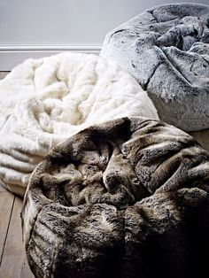 Our long-pile faux fur beanbag is the ultimate in luxury lounging, adding warmth and texture to your home. Handmade exclusively for us in the UK from supersoft, high quality faux fur with a faux suede non-slip base, this exquisite polar bea Bean Bag Bed, Bean Bag Chair, Luxury Sofa, Luxury Bedding, Puff Gigante, Modern Bean Bags, Sofa Bed Throws, Dog Rooms, Bed Linen Sets