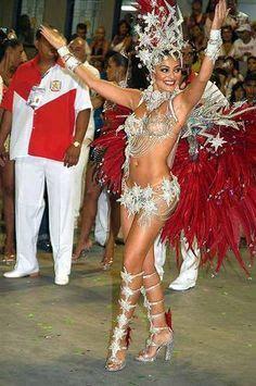 Acontece Juliana Paes Diz Ter Iniciado Dieta Com Foco No Carnaval