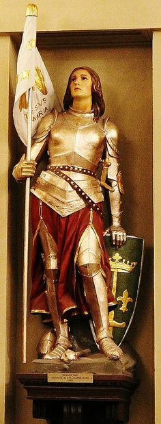 Joan of Arc – 30 May 1431 is considered a heroine of France for her role during the Lancastrian phase of the Hundred Years' War, and was canonized as a Roman Catholic saint. Joan D Arc, Saint Joan Of Arc, St Joan, Catholic Art, Catholic Saints, Roman Catholic, Religious Art, Ansel Adams, Joan Of Arc Costume
