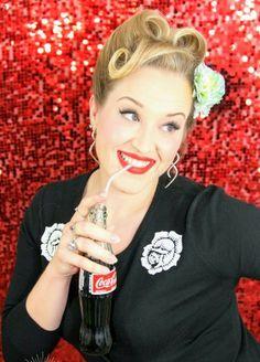 Coca-Cola pin-up Victory Rolls, Pin Up, Rockabilly, American Drinks, Coca Cola Ad, Amber, Retro, Coke, Vintage