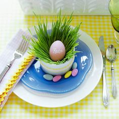 Welcome Spring place setting... so cute!