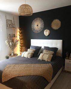 There are some incredible free resources for finding great home decor ideas, but we'll get to them in a moment. Before you decide upon what type of home decor you are going to put into your home you needed to some homework. Decor, Home Decor Bedroom, Bedroom Makeover, Home Bedroom, Home Decor, Bedroom Inspirations, Apartment Decor, Home Deco, Classy Rooms