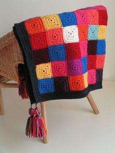 Solid granny square blanket (no pattern) Crochet Squares, Crochet Granny, Crochet Stitches, Crochet Afghans, Granny Square Blanket, Afghan Blanket, Granny Squares, Crochet Cross, Knit Crochet