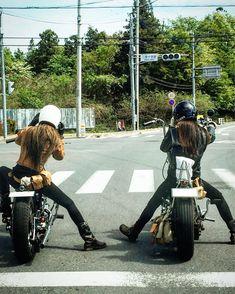 Motorcycle Baby, Female Motorcycle Riders, Motorcycle Helmet Design, Womens Motorcycle Helmets, Motorcycle Quotes, Triumph Motorcycles, Custom Motorcycles, Vintage Motorcycles, Lady Biker