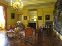 chateau de villandry - Buscar con Google Loire Valley France, Interiors, Google, Furniture, Home Decor, France, Decoration Home, Room Decor, Interieur