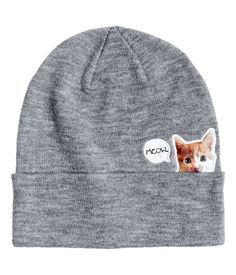 Gray/cat. Hat in double layers of fine-knit melange fabric with foldover cuff. Cat appliqué at front.