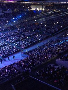 Ariana Grande Dangerous Woman Tour, Violetta Live, Gif Pictures, Concerts, Miami, Unicorn, Barcelona, Idol, Career
