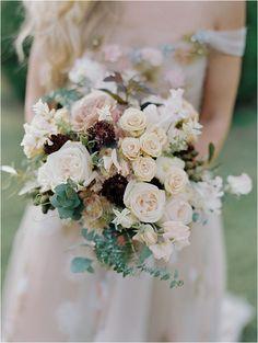 Nivéole Fleuriste Flowers | Image by Bubblerock Cream Wedding, Rose Wedding, Floral Wedding, Fall Wedding, White Wedding Bouquets, Flower Bouquet Wedding, French Wedding Style, Wedding Flower Inspiration, Martha Stewart Weddings