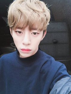 BAP-DAEHYUN 你们都有好好吃饭吗?一定不要饿到,穿暖和一点,想念大家 Are you all eating well? Make sure to not starve, do dress warmly, I miss you all.