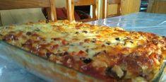 Πίτσα στο ταψί μπόμπα ή αλλιώς Σουφλέ Dessert Recipes, Desserts, Lasagna, Ethnic Recipes, Food, Salad, Tailgate Desserts, Lasagne, Deserts