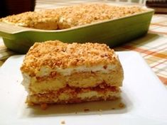 Impress your guests with this decadent toasted almond cream cake, full of layered almond flavors and creamy mascarpone, then topped with crushed cookies and almonds. Toasted Almond Cream Cake Recipe, Almond Ice Cream, Just Desserts, Delicious Desserts, Italian Desserts, Cake Recipes, Dessert Recipes, Toasted Almonds, Almond Cakes