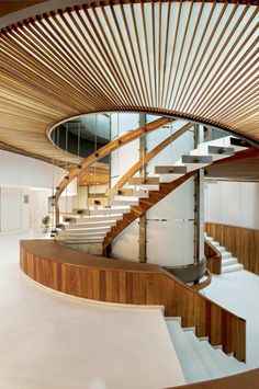 You know I love a good staircase, and this is a great staircase.
