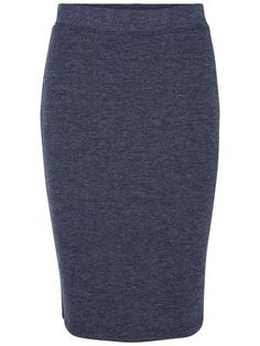 Tight fit skirt from VERO MODA. Ideal with a shirt or whit t-shirt.
