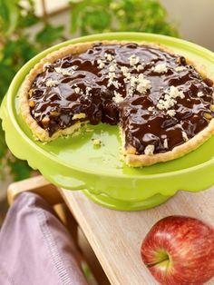 apple tart with chocolate. concept & styling of photo shooting: Antonia Kati photo shooting: Vangelis Paterakis Party Desserts, Healthy Desserts, Tahini, Greek Sweets, Sweet Tarts, Greek Recipes, Cupcake Cookies, Cake Recipes, Deserts