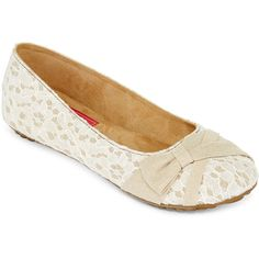 Pop Glenna Lace Ballet Flats ($30) ❤ liked on Polyvore featuring shoes, flats, flat pumps, ballerina shoes, flat heel shoes, lacy shoes and ballet flats