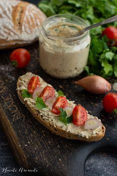 Pastă de macrou afumat - pentru mic dejun și gustări | Bucate Aromate Romanian Food, Sushi, Pasta, Camembert Cheese, Food Porn, Dairy, Red Peppers, Treats, Sushi Rolls