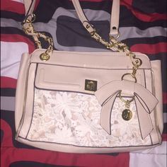 Jessica Simpson purse Perfect condition! Never been used! Tags have been removed! Jessica Simpson Bags Shoulder Bags